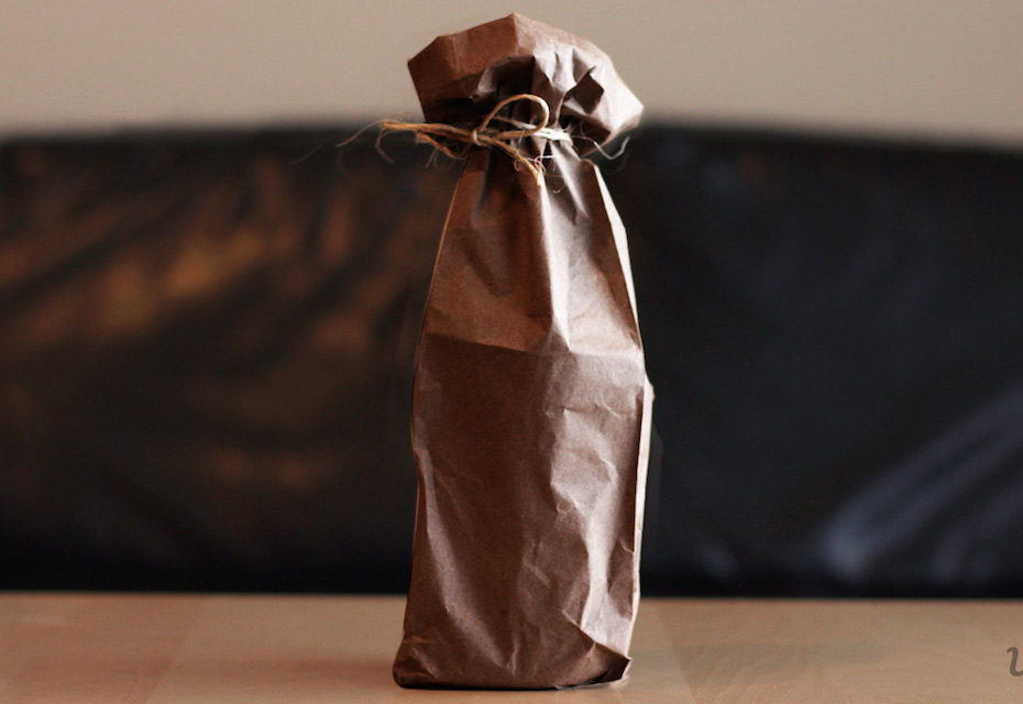 wine-bottle-in-a-paper-bag-with-string-blind-tasting